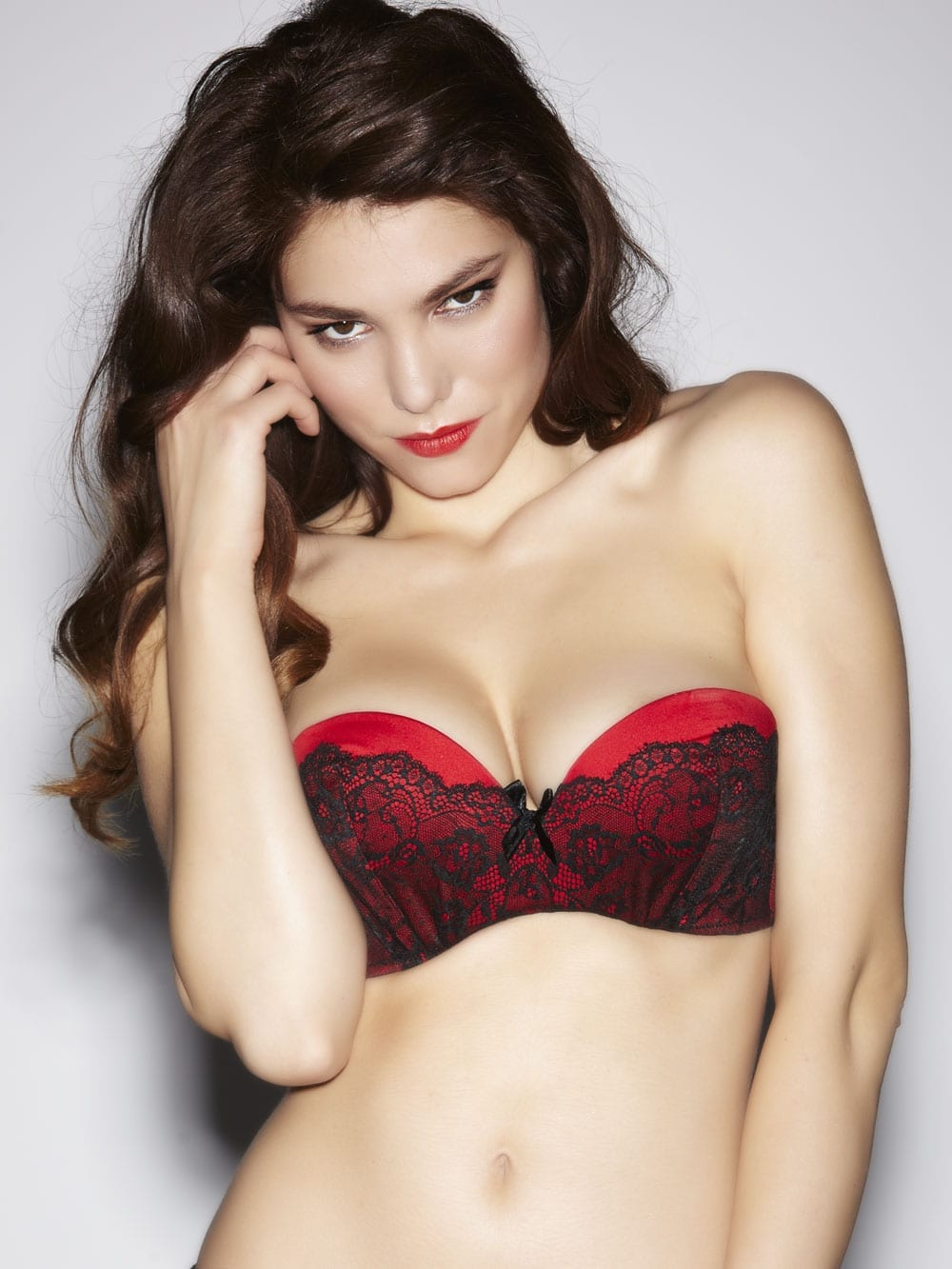 Volume Boost Red/Black Strapless Bra